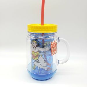 NEW!! WONDER WOMAN 18 oz Double Insulated Tumbler